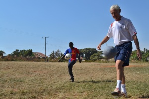 """5-goal Bill"" juggles his way around Uganda!"