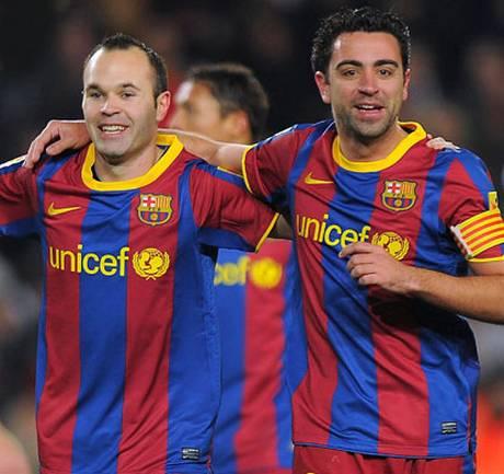 Xavi+and+Iniesta